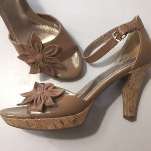 Sofft Tan Pat Leather Heel Suede Flower Peep Toe